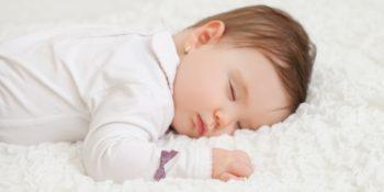 Alvás csecsemőkorban