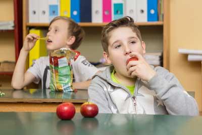 Martossy Nóra: Az almát választom