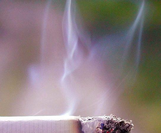 otthoni dohányzás