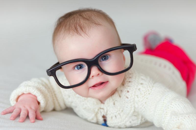Látásromlás gyermekkorban - Miért gyorsítja a folyamatot, ha kütyüket néz a gyermek?