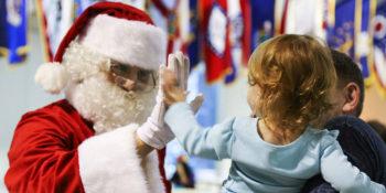 Santa Claus a gyermekkel