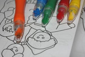 színezők